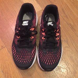 Women's Nike Zoom Winflo 4